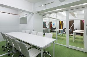 従来のオフィスビルと同等の付帯環境を整えました